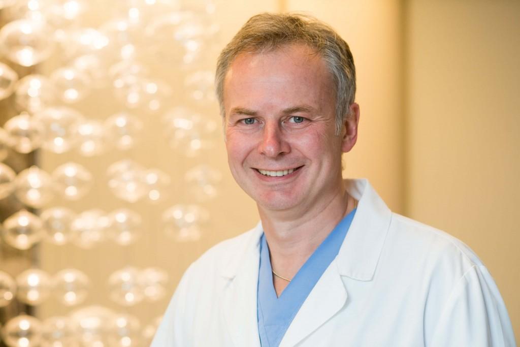 Plastikos chirurgas dr. Darius Radzevičius