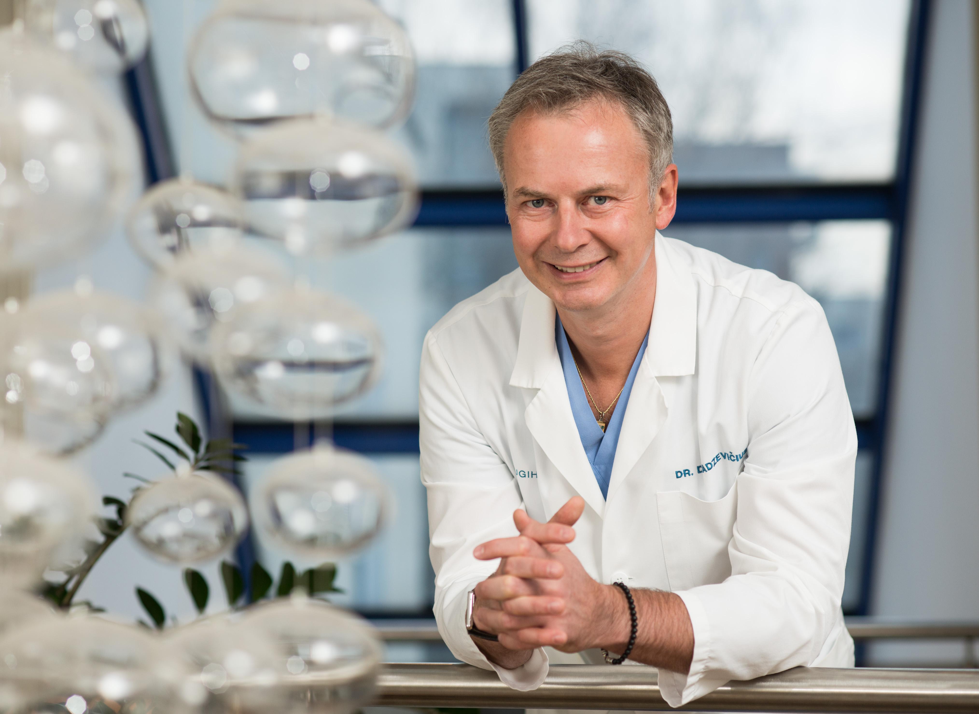 SUGIHARA klinikos plastikos chirurgas Darius Radzevičius