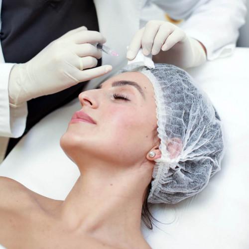 Biorevitalizacijos procedūra veido odai