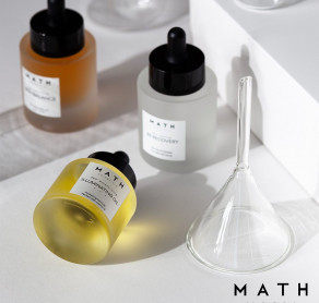 N A U J I E N A !  Nuo šiol SUGIHARA fizinėse kosmetikos parduotuvėse ir e-parduotuvėje galite įsigyti MATH veido priežiūros produktų!  ????MATH - tai Lietuvos mokslininkų sukurta kosmetika, kuri padeda pasirūpinti oda ląstelių lygmeniu.  ????????MATH produktai kuriami sertifikuotoje fizinių ir inovacijų mokslų centro laboratorijoje. Joje dirba efektyvių veido priežiūros produktų kūrimo patirtį turintys chemikai.  Naudojama pati naujausia, itin jautri mokslinė įranga ir aukščiausios kokybės žaliavos.   Kvalifikuotų specialistų komanda ir išskirtinės darbo sąlygos yra vienas iš argumentų, kodėl MATH produktai veikia nuo pirmo iki paskutinio lašo!  Šią kosmetika užtikrintai rekomenduoja ir SUGIHARA grožio specialistai!   ????MATH kosmetikos galite įsigyti visuose SUGIHARA filialuose ir e-parduotuvėje!  . . . . #sugiharaklinika #grozioklinika #groziosalonas #spa #dermatologija #kosmetologija #plastinechirurgija #kosmetikainternetu #kosmetika #lithuania #aestheticclinic #beautyclinic #cosmetic #dermatology #skin #skincare #beauty #cosmeticshop #mathkosmetika