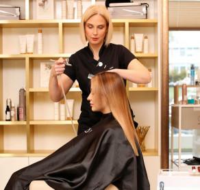 Plaukų ir galvos odos procedūros deguonies aparatu Kemon Actyva 02 - tai naujas, neinvazinis metodas, skirtas galvos odos, plaukų sveikatai bei grožiui ????????♀️  Kam tinka ši procedūra?  ▪️ Silpniems, lūžinėjantiems, sausiems plaukams ▪️ Esant plaukų slinkimui ▪️ Pleiskanojančiai galvos odai ▪️ Jautriai galvos odai  Kaip deguonis veikia mūsų plaukus ir galvos odą?  Aktyviai veikiant deguoniui yra koncentruojami aktyvūs ingredientai, kurie parenkami individualiai pagal kliento poreikius. Deguonis padeda giliau įvesti priemones, suaktyvina kraujotaką, atkuria galvos odos ir plaukų drėgmės balansą, gerina plauko struktūrą, skatina jų augimą.  ???? Procedūra atliekama tik SUGIHARA grožio centre Č. Sugiharos g. 3  Daugiau informacijos ir registracija: ☎️+37069853901 ???? info@sugihara.lt  . . . . #sugiharaklinika #grozioklinika #groziosalonas #spa #dermatologija #kosmetologija #plastinechirurgija #kosmetikainternetu #kosmetika #lithuania #aestheticclinic #beautyclinic #cosmetic #dermatology #skin #skincare #beauty #cosmeticshop #plaukuprieziura #plaukuproceduros #plaukuatstatymoprocedura #plaukuatstatymas #kemon