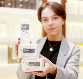 SUGIHARA specialistai rekomenduoja! ????  GUINOT NEWHITE - ne tik apsaugo odą nuo kenksmingų saulės spindulių, bet tuo pačiu padeda išvengti naujų pigmentinių dėmių susidarymo, šviesina ir skaistina veido odą!   GUINOT Newhite liniją sudaro:  ▪️Šviesinamoji apsauginė priemonė veidui su spalva SPF 50 ▪️Šviesinamasis dieninis veido kremas SPF30 ▪️Šviesinamasis serumas su vitaminu C ▪️Šviesinamoji kaukė nuo pigmentinių dėmių ▪️Koncentratas pigmentinėms dėmėms ▪️Šviesinamasis naktinis kremas ▪️Šviesinamasis tonikas  Visus šiuos produktus galite rasti SUGIHARA e-parduotuvėje, na, o GUINOT NEWHITE priemonėms su SPF šiuo metu dar taikoma 15% nuolaida! Apsipirkimo nuorodą rasite mūsų BIO. . . . . #sugiharaklinika #grozioklinika #groziosalonas #spa #dermatologija #kosmetologija #plastinechirurgija #kosmetikainternetu #kosmetika #lithuania #aestheticclinic #beautyclinic #cosmetic #dermatology #skin #skincare #beauty #cosmeticshop #spf50 #apsauganuosaules #odossviesinimas #veidokremas #bbveidokremas