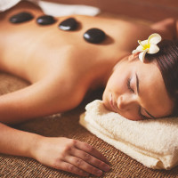Karštų akmenų masažas