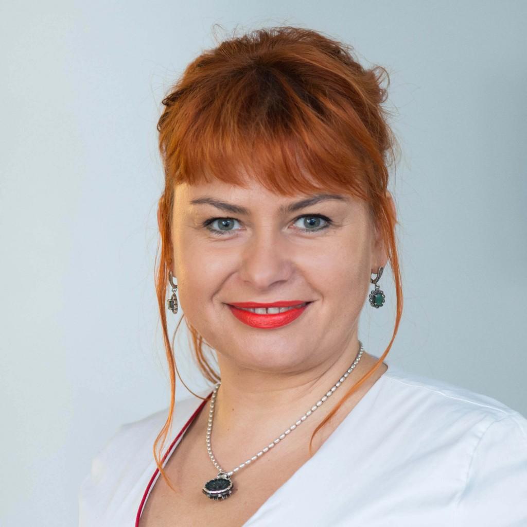 SUGIHARA filialo Senamiestyje manikiūrio ir pedikiūro specialistė Irena