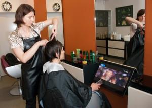 Plaukų kirpimas klinikoje SUGIHARA