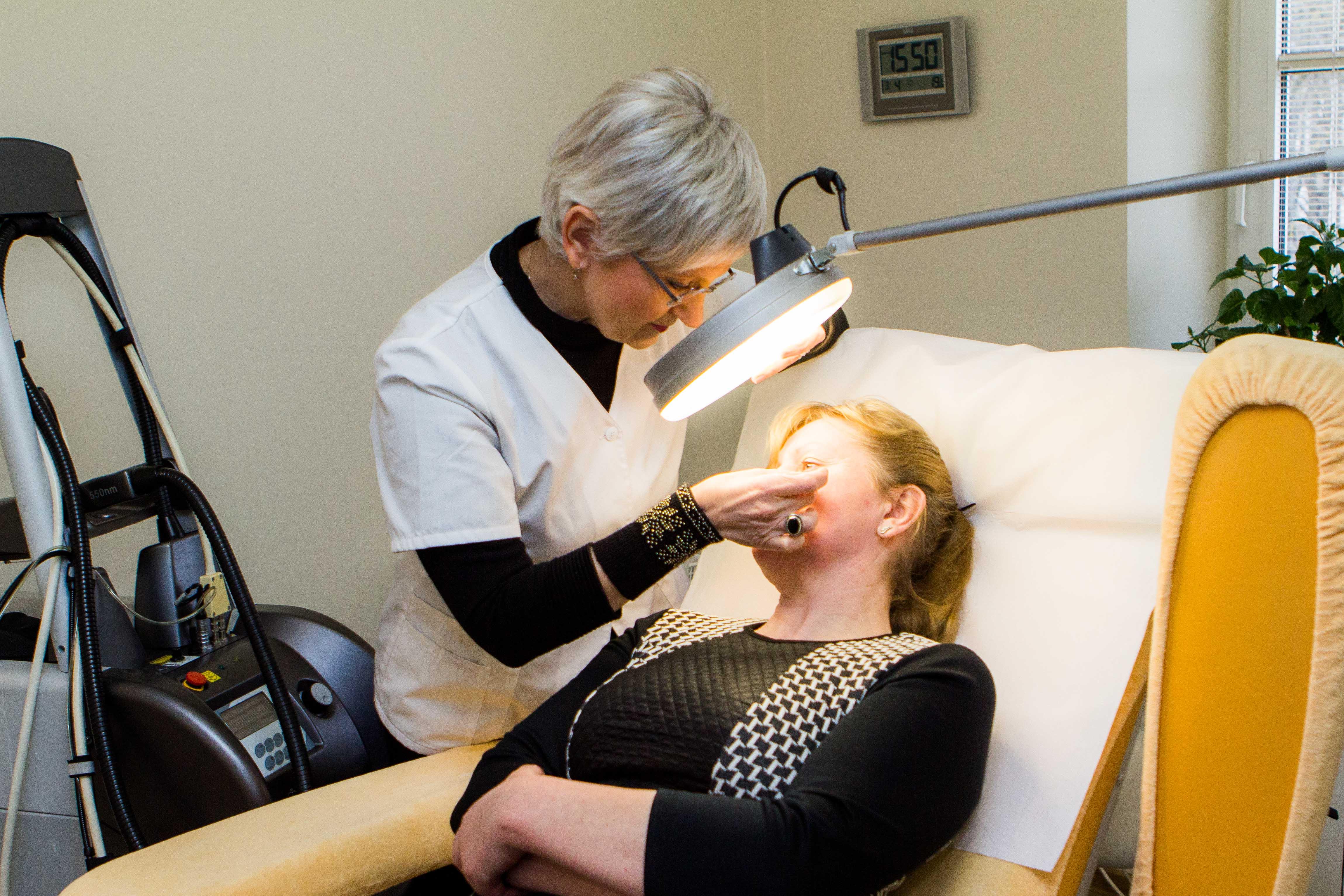 Dermatologo konsultacija SUGIHARA