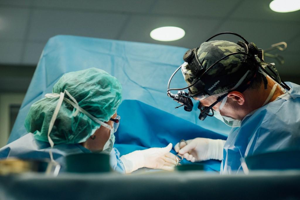 Diena plastikoc chirurgo Dariaus Radzevičiaus operacinėje klinikoje SUGIHARA