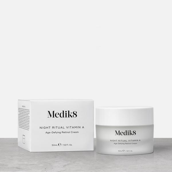 medik8 Priešraukšlinis kremas nakčiai su vitaminu A