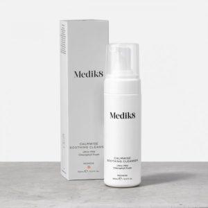 Medik8 veido prausiklis mazinantis veido raudoniui